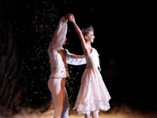 Snow Queen dancing on pointe in The Nutcracker ballet.